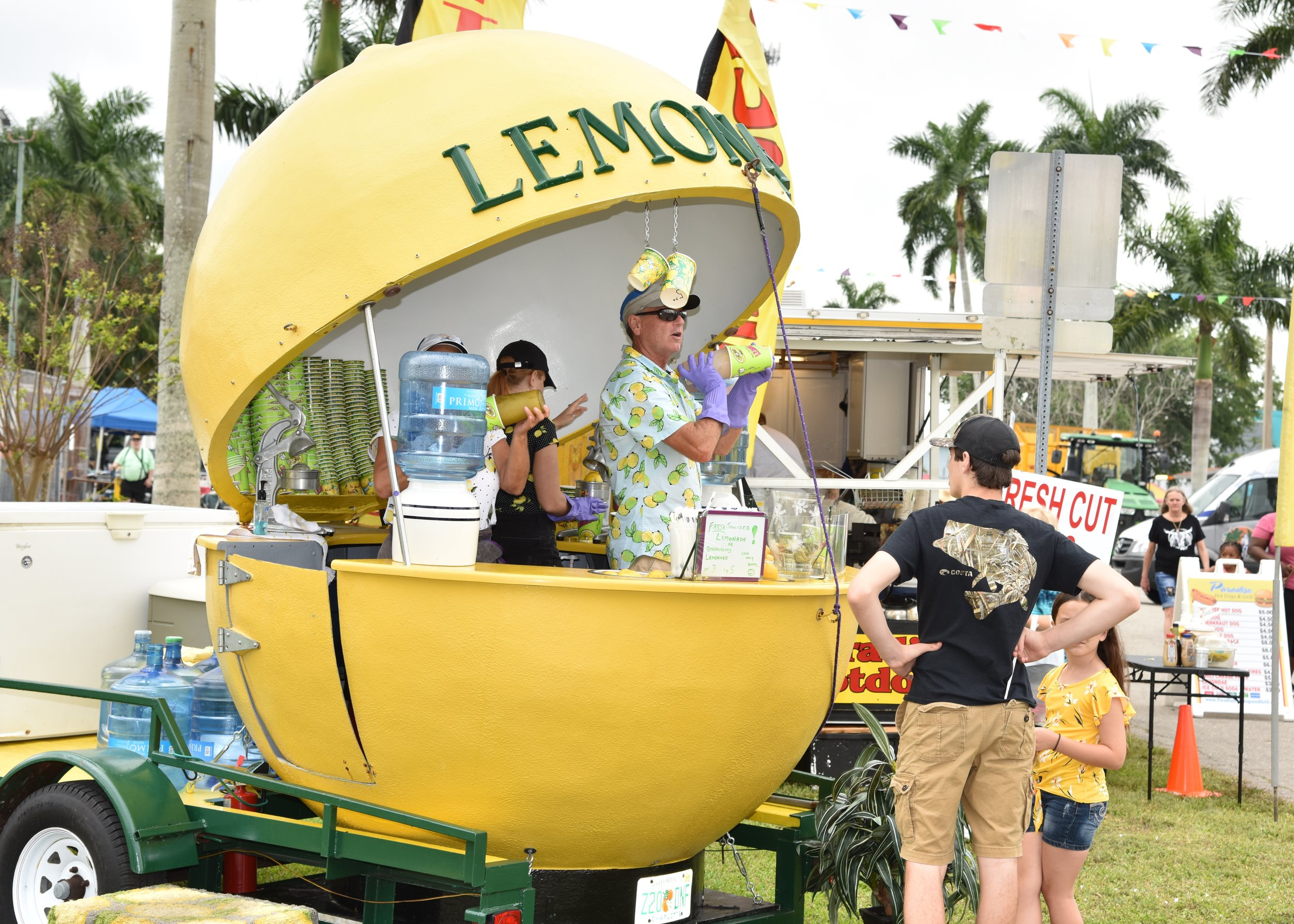 This lemon vendor is one booth space