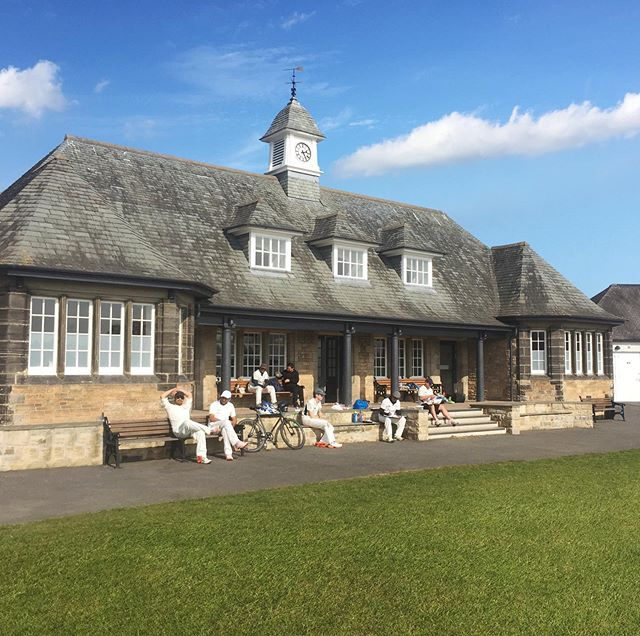 Accies looking very chilled in the sun 😎 Thanks Musselburgh for organising a team on Easter weekend with the Queen's Cup and playing in such good spirits! Perfect weather conditions for a game of cricket! All the best for your season!  #EasterSaturday #MusselburghRaces #cricket #edinburgh #scotland #pavilion #bluesky #thisisedinburgh #scottishsummer #britishsummer #spring
