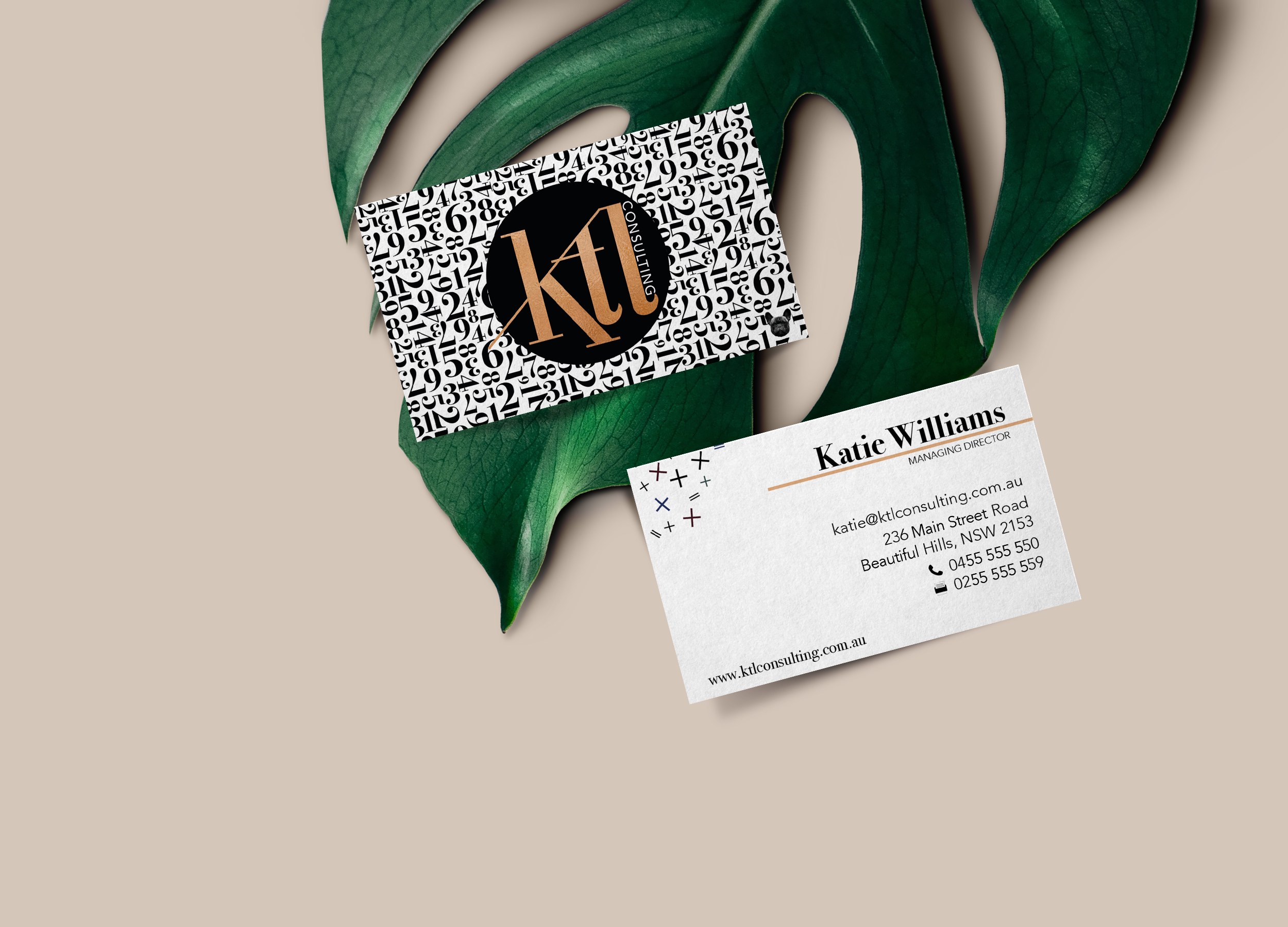 Feminine-Business-Card-Mockup.png