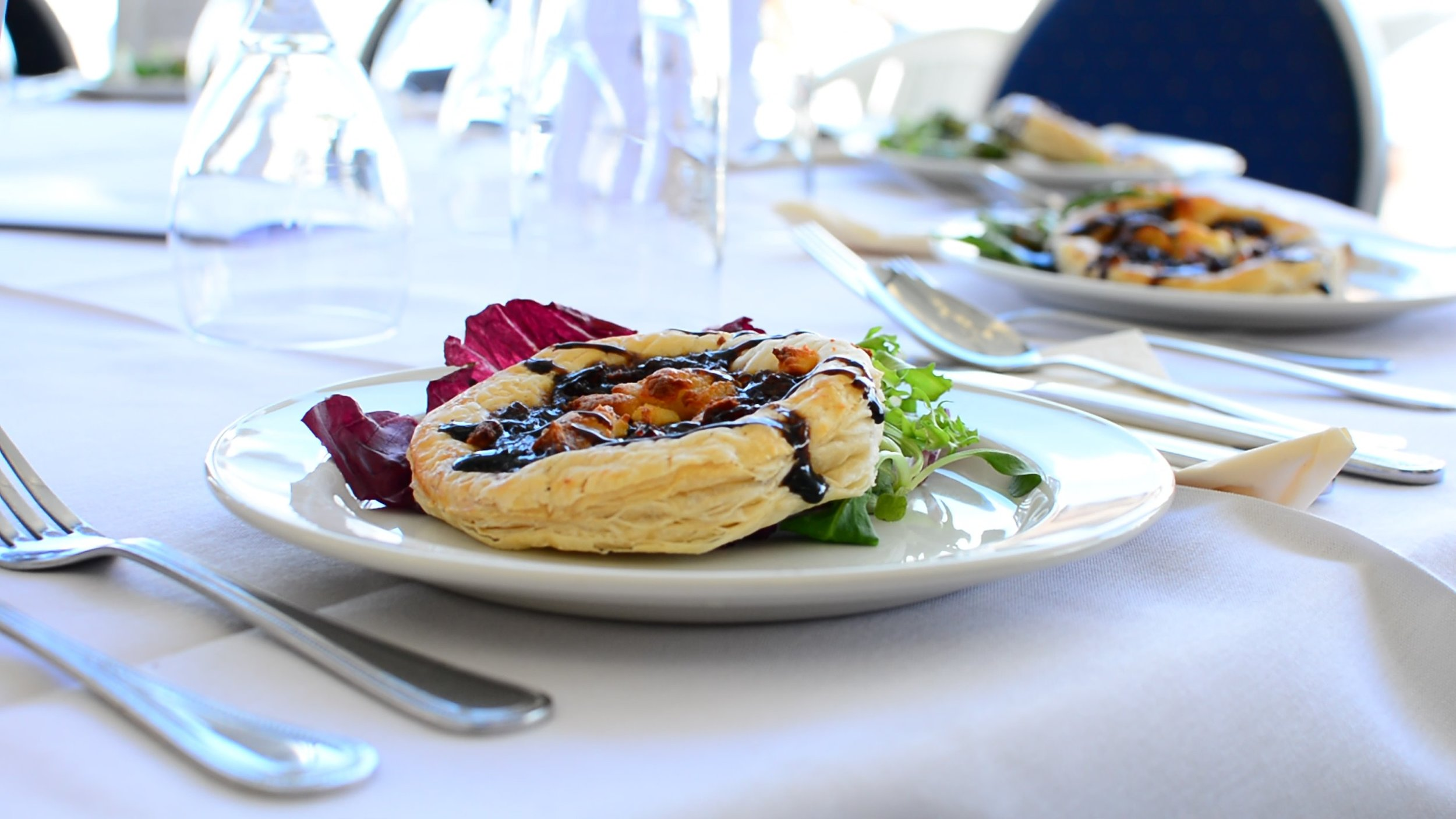 EXQUISITE HANDMADE FOOD   From canapés to three-course luncheons