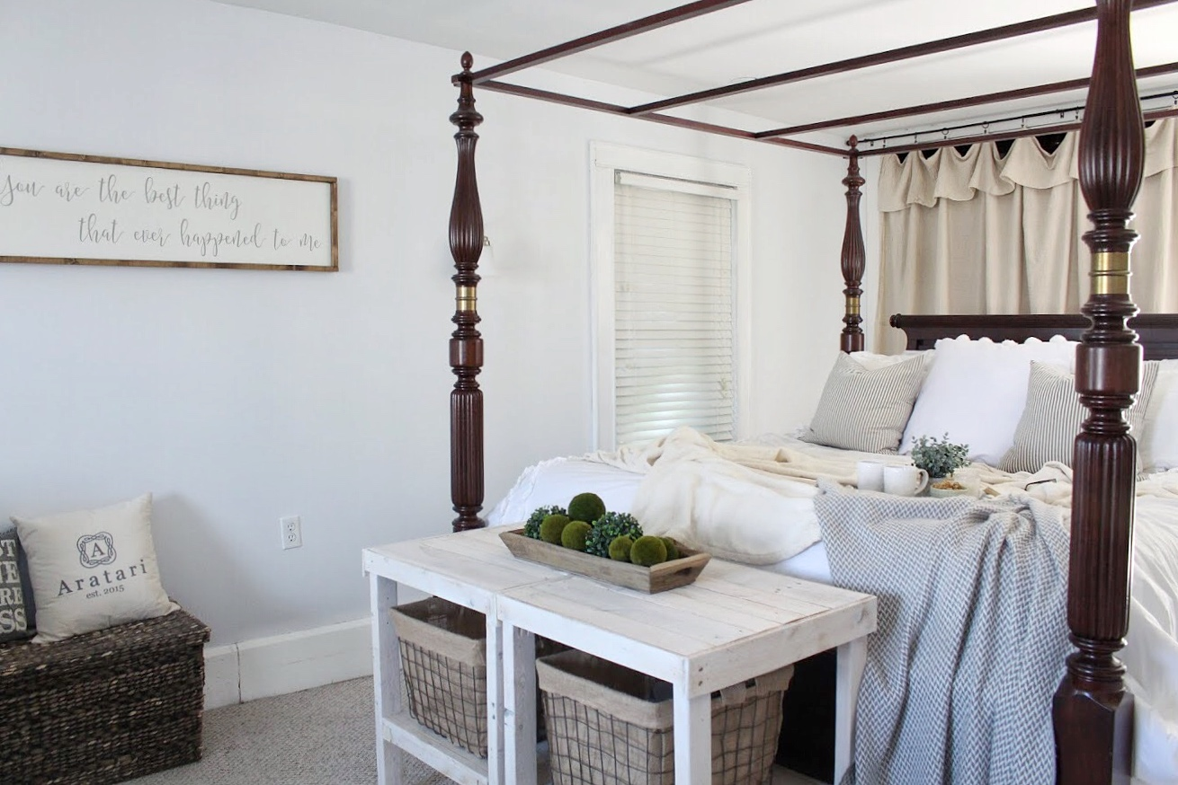 4 poster bed and bed tables