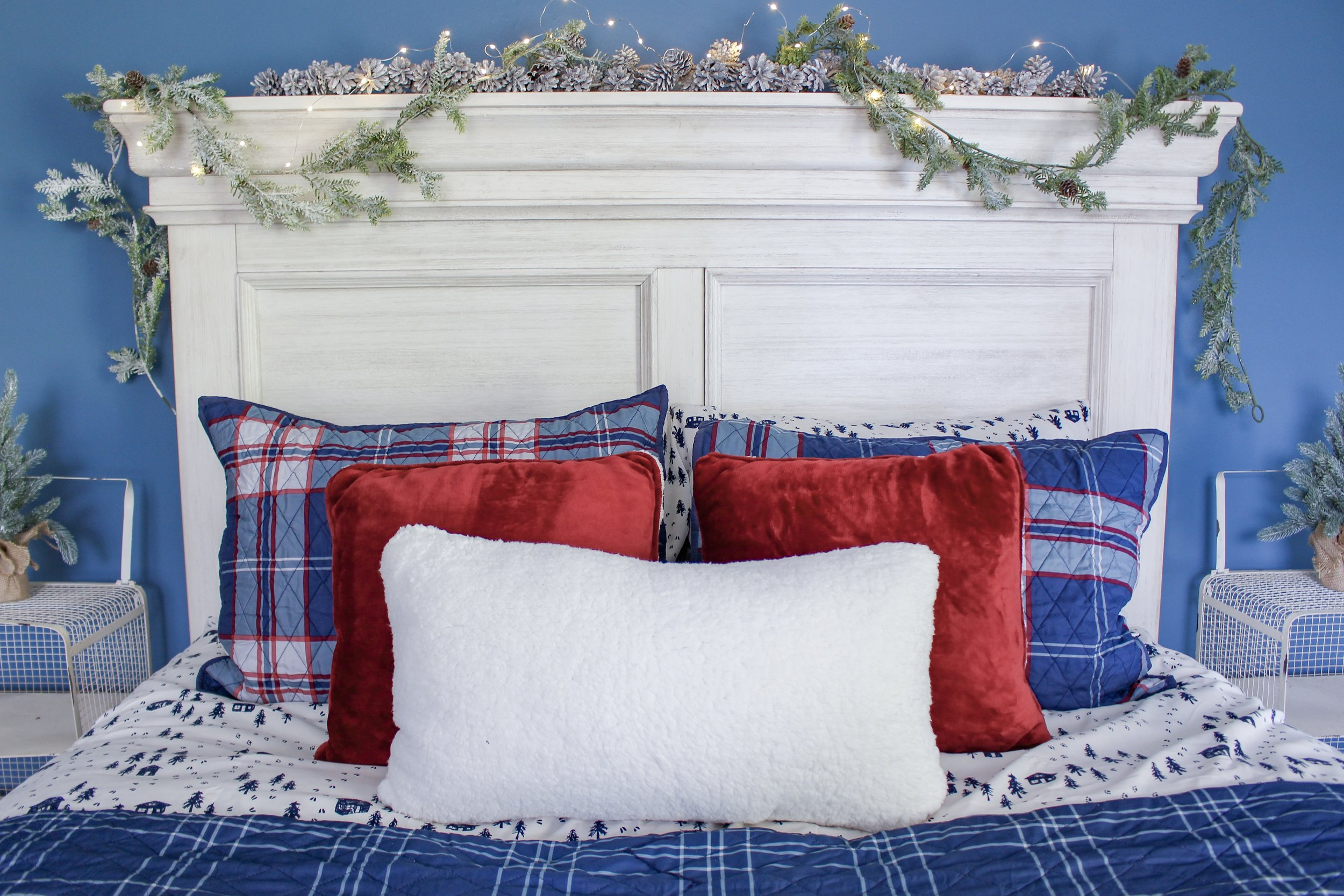 Holiday pillows in guest room