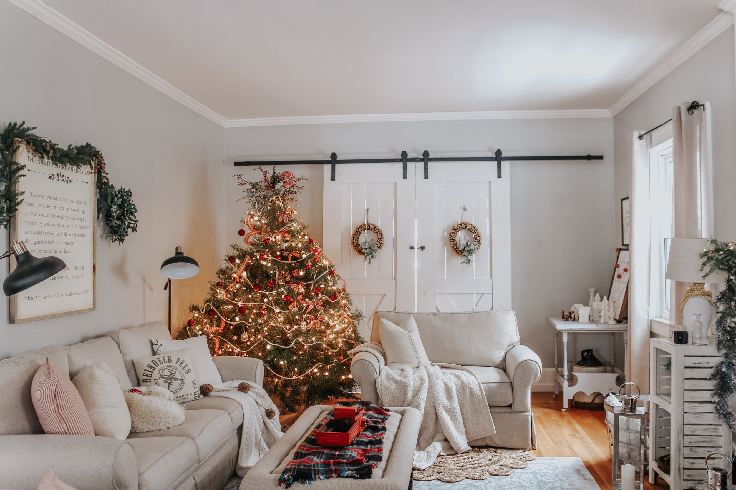 Christmas decor in the living room