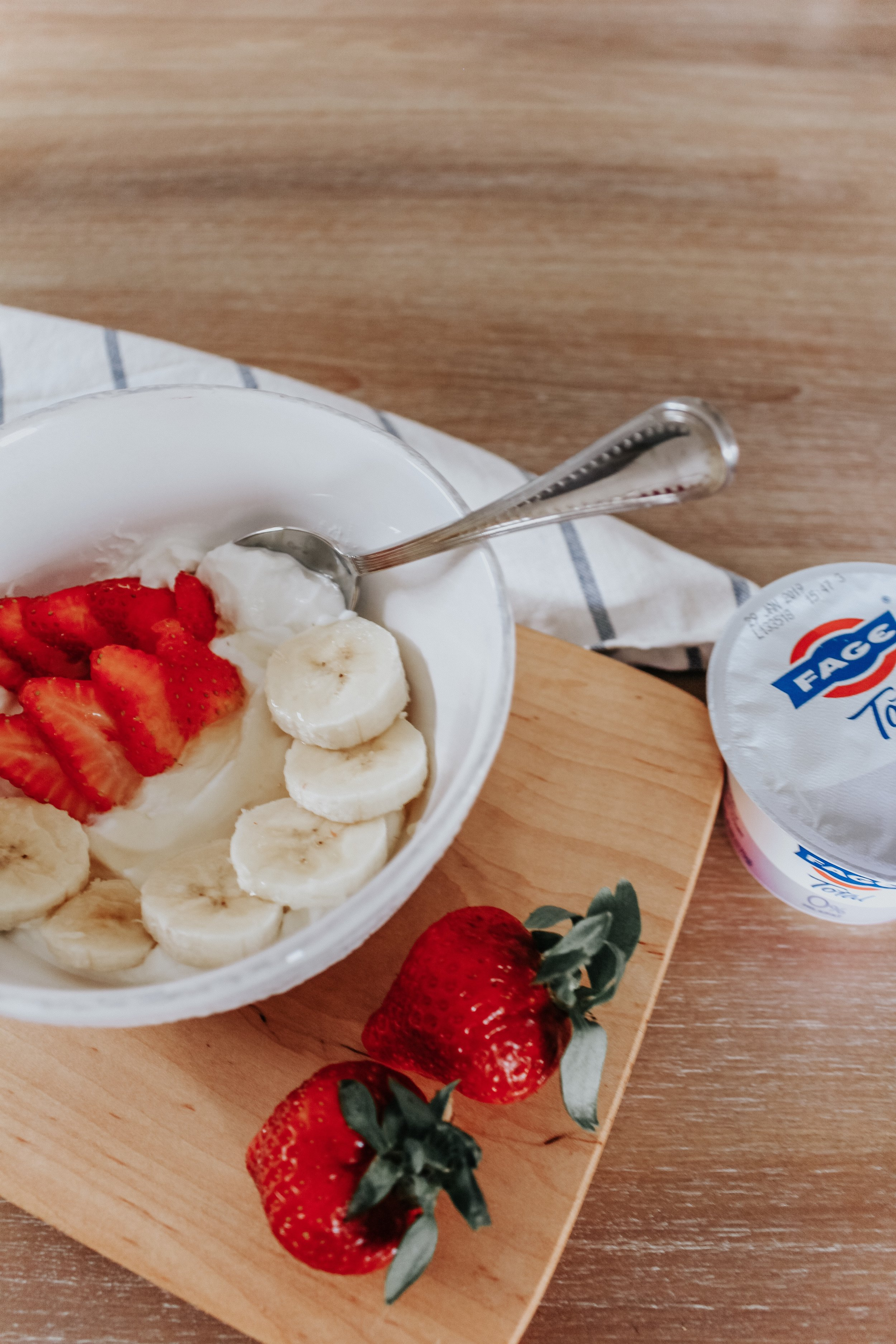 Strawberry Banana Greek Yogurt Bowl
