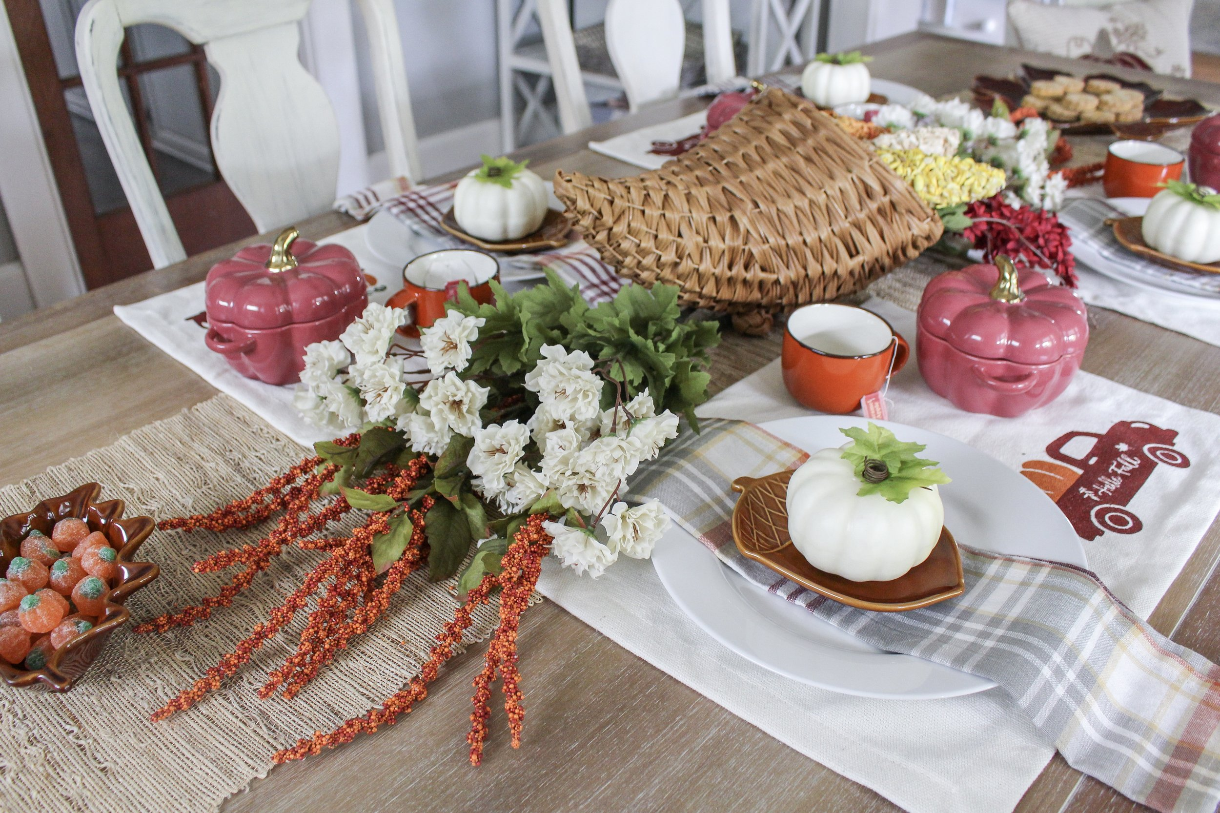 Fall Place Setting and Centerpiece