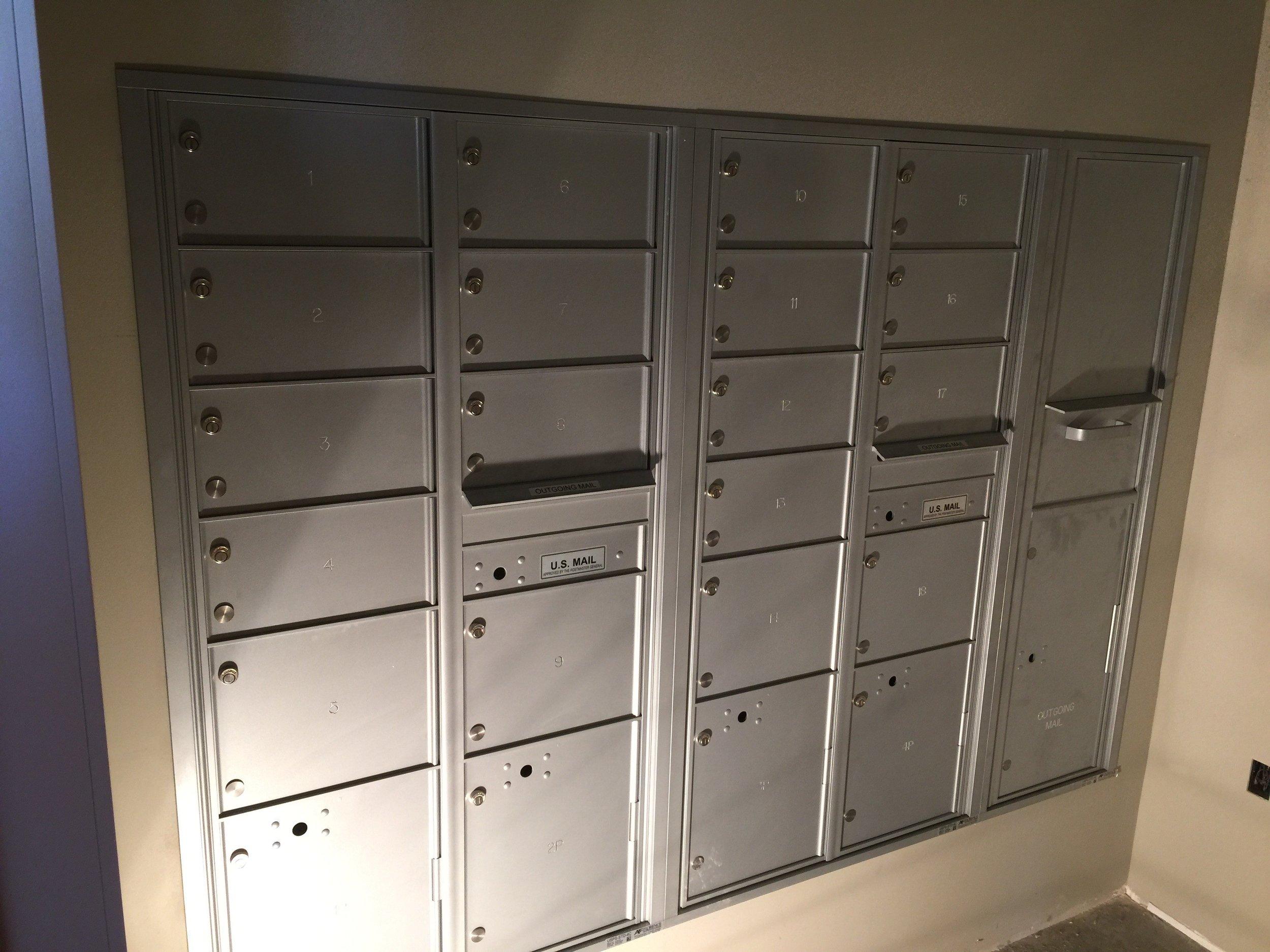 4C_XL_doors_for_commercial_building.jpg