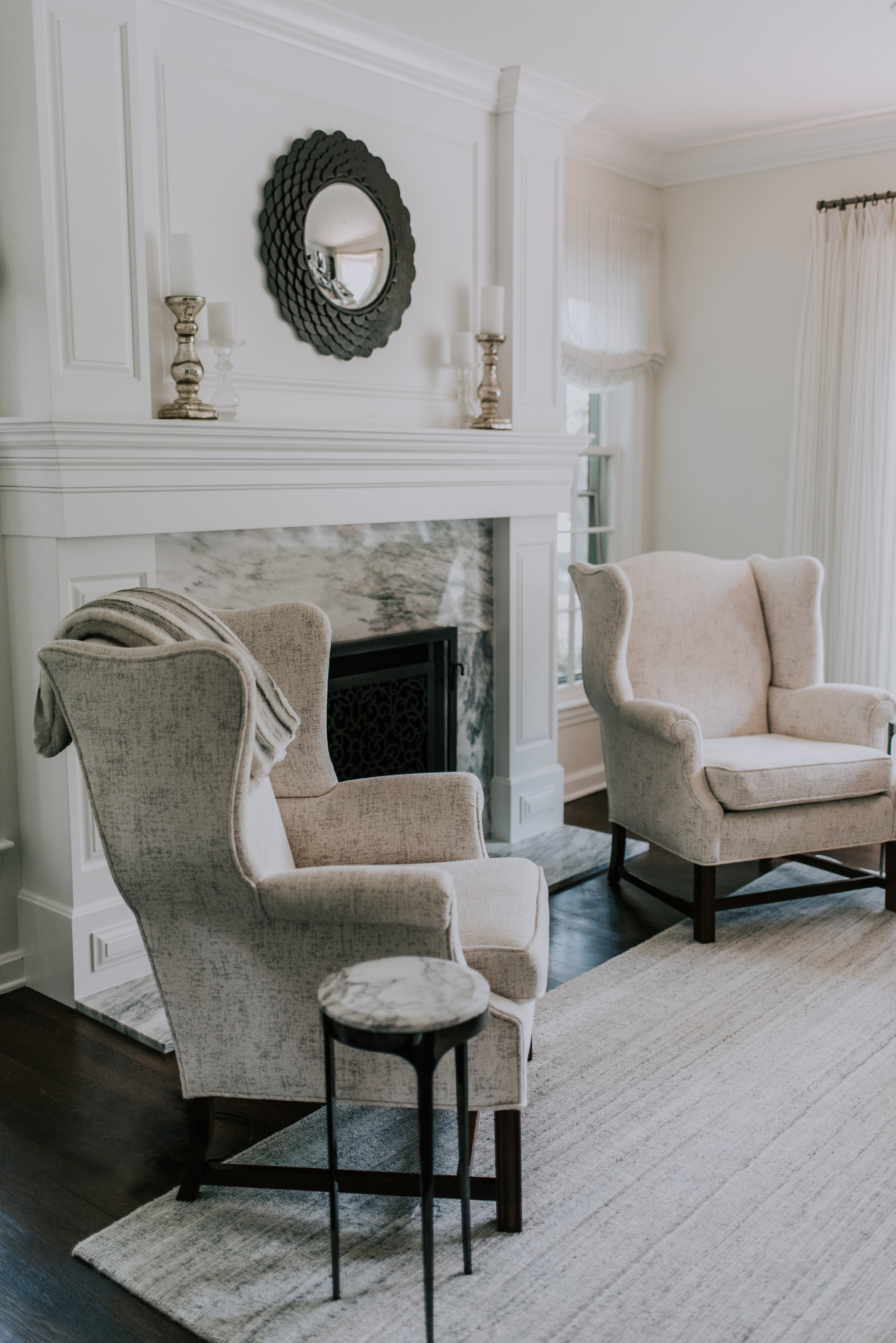 colby residence - graceful neutrals Designer, Dawn met the owners of the Colby residence during her college days. After living in their Shaker Heights residence for nearly a decade, they reached out to their dear friend to help them bring it to life.