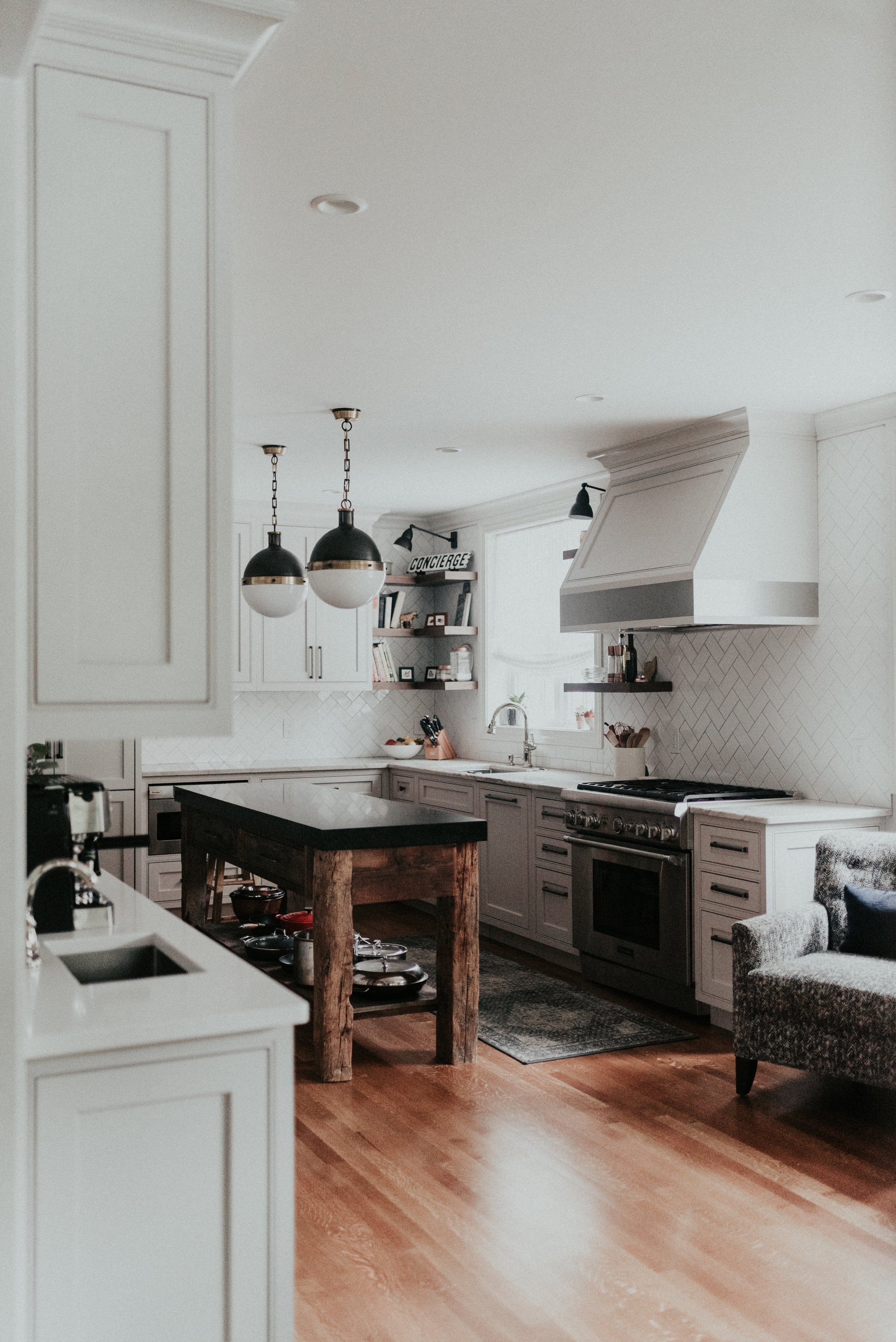maynard residence - old welcomes new Sue long-pondered a kitchen redo for her Shaker Heights tudor. She engaged long-time friend and designer, Linda to take on the renovation.
