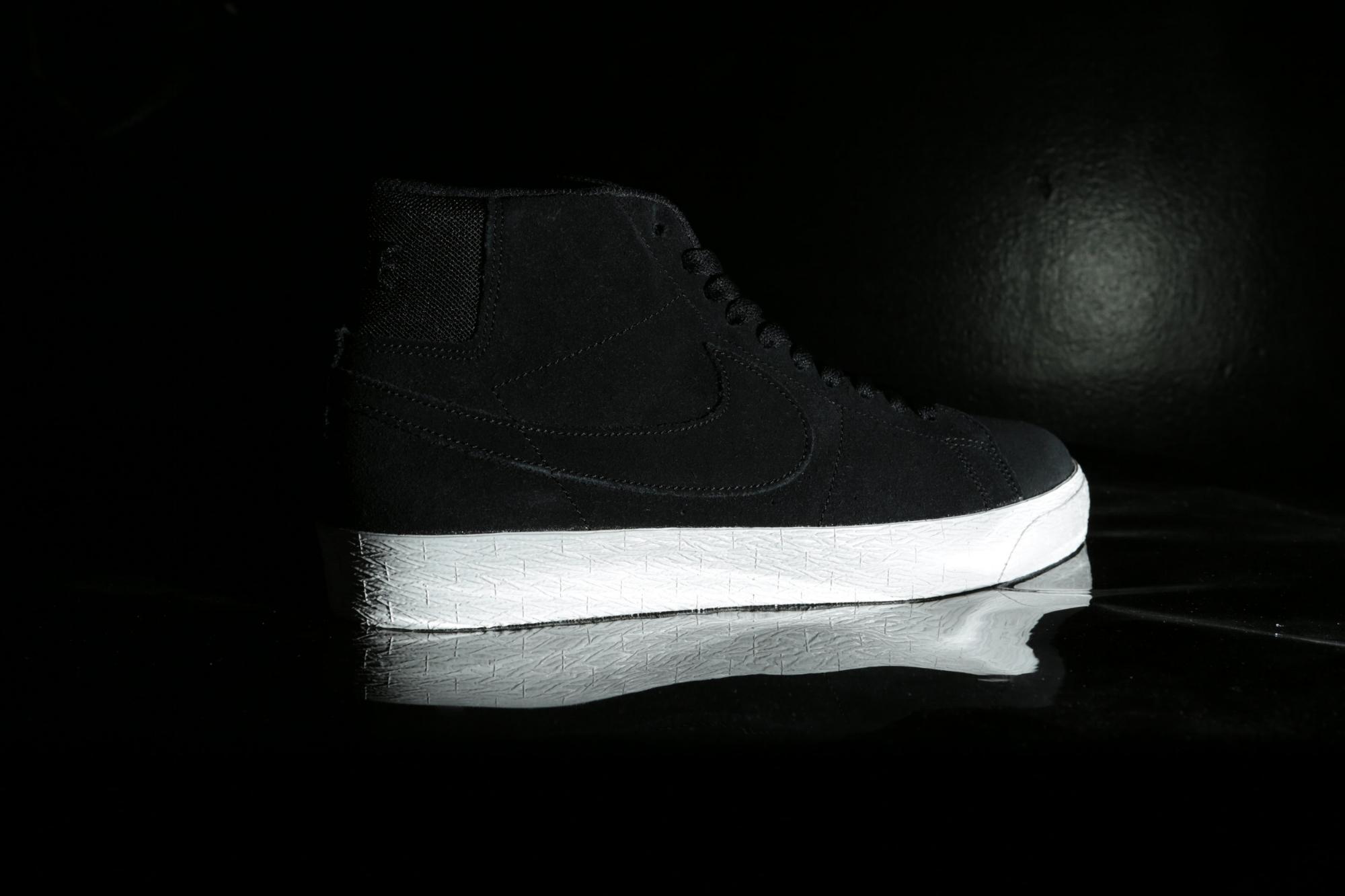 Black Nike SB Zoom Blazer Mid Deconstructed