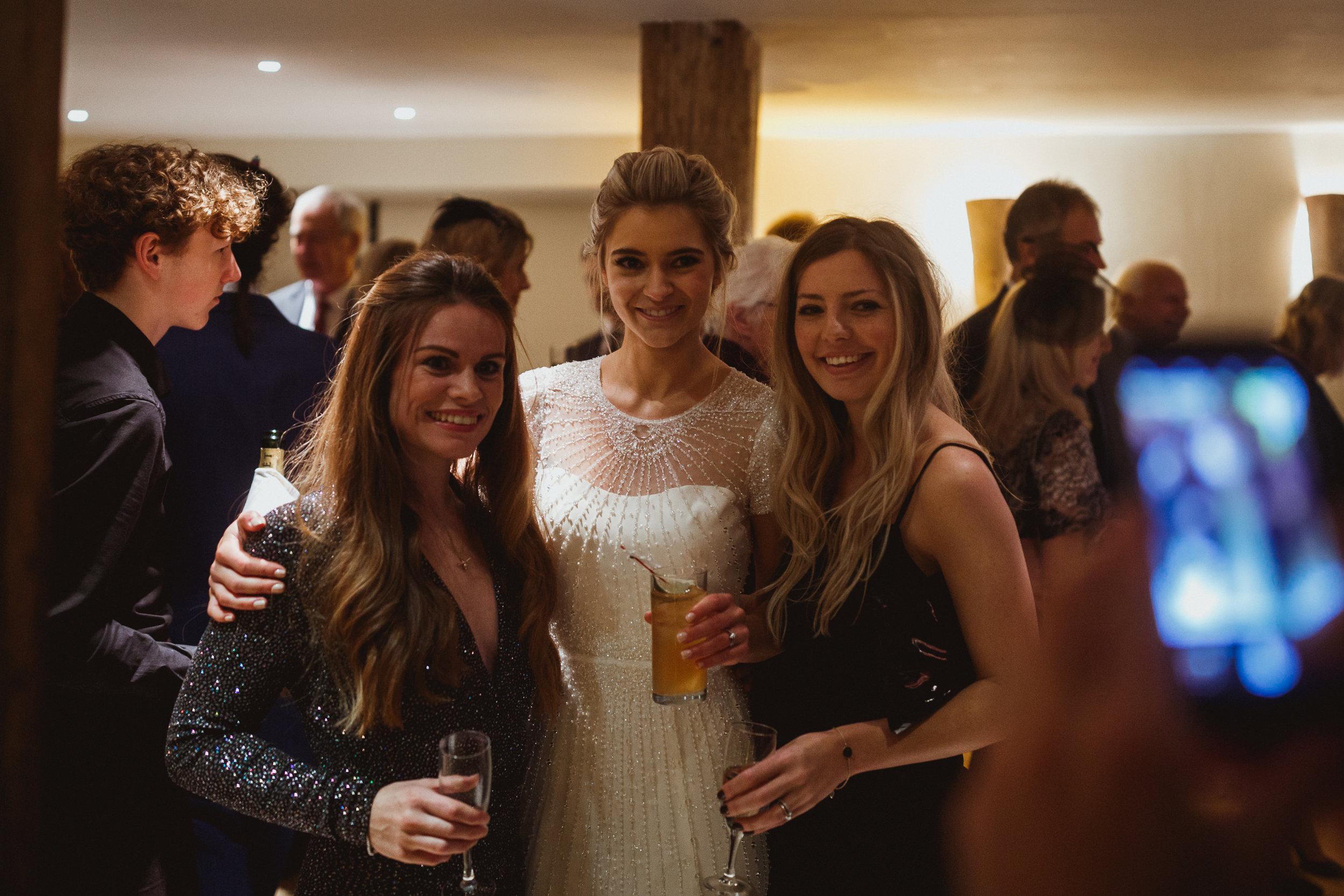 Jenny Packham dress Bury Court Barn Hampshire Wedding Photographer Gione da Silva_004.jpg