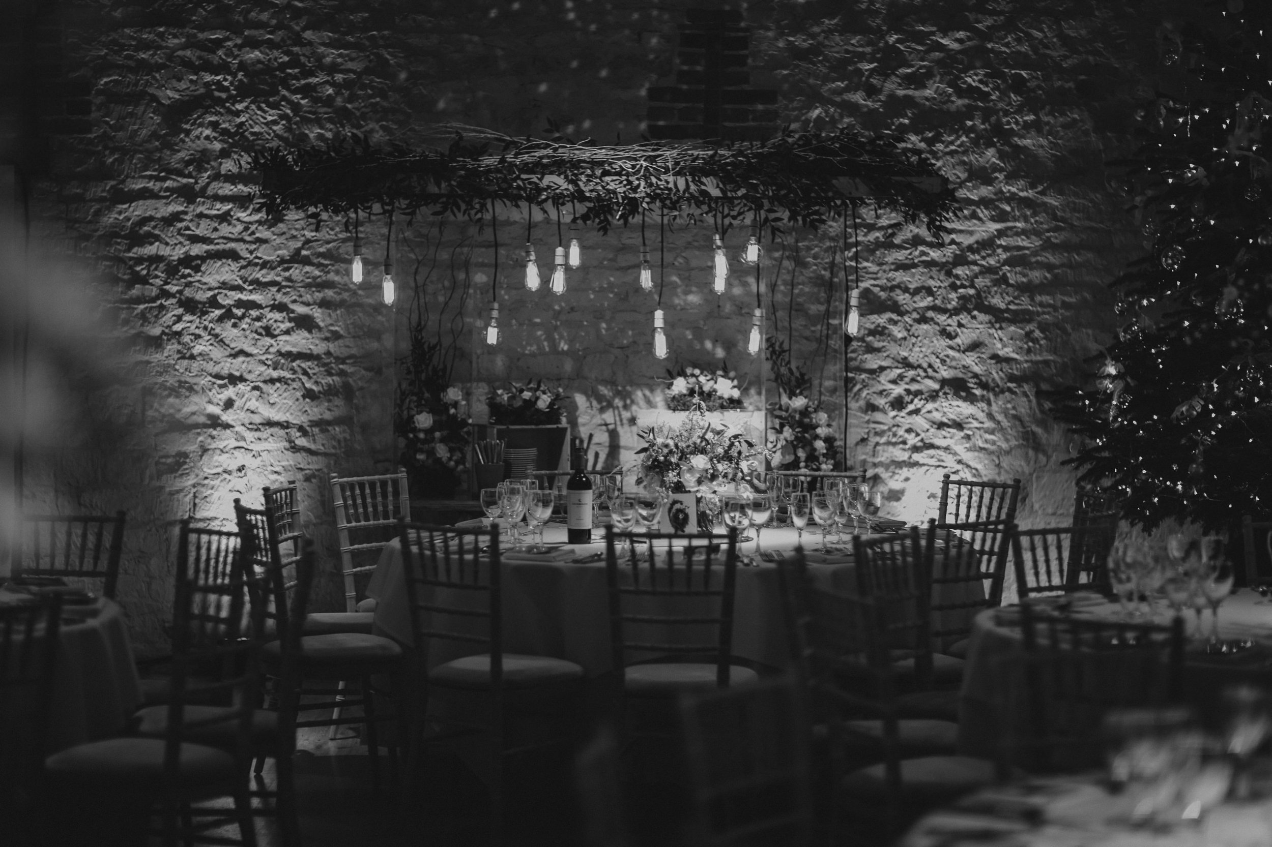 Jenny Packham dress Bury Court Barn Hampshire Wedding Photographer Gione da Silva_008.jpg