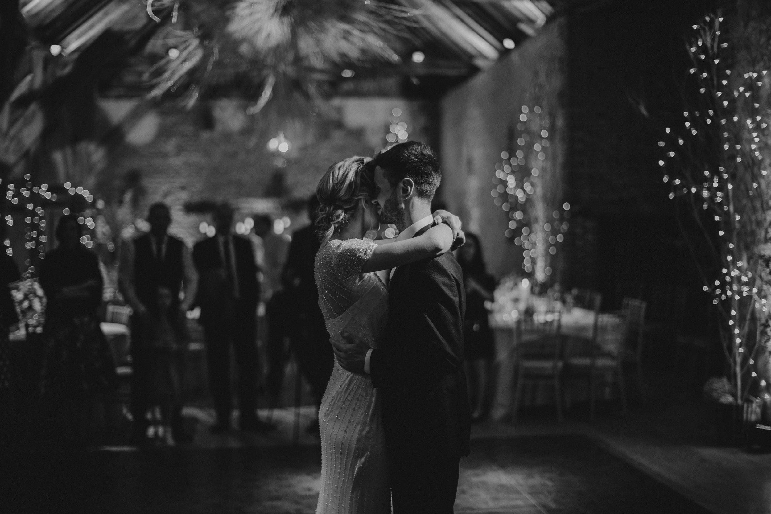 Jenny Packham dress Bury Court Barn Hampshire Wedding Photographer Gione da Silva_034.jpg