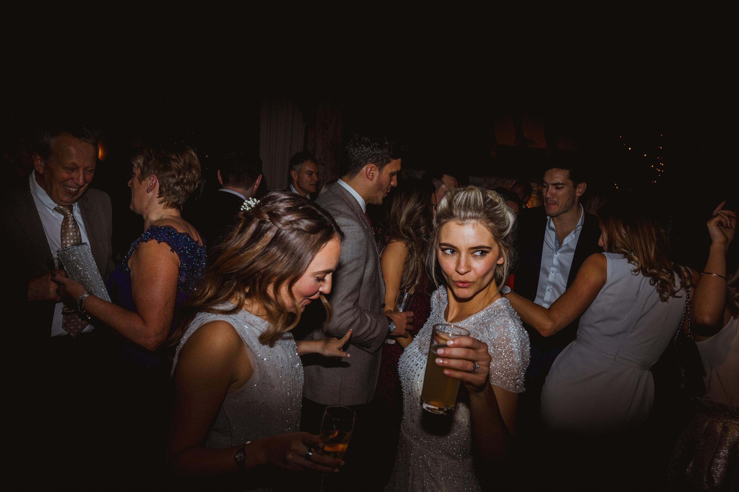 Jenny Packham dress Bury Court Barn Hampshire Wedding Photographer Gione da Silva_038.jpg