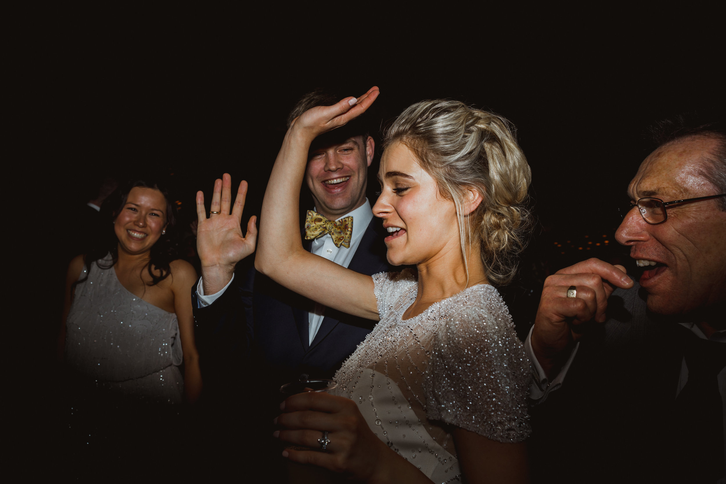 Jenny Packham dress Bury Court Barn Hampshire Wedding Photographer Gione da Silva_040.jpg