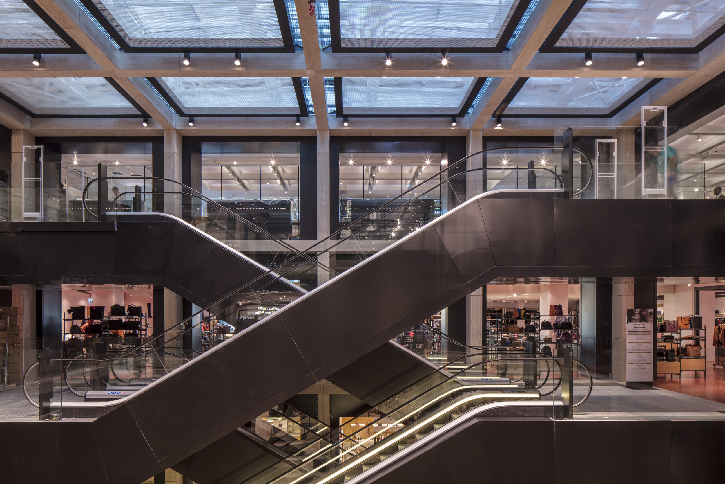 Rinascente-stairs-41751.jpg