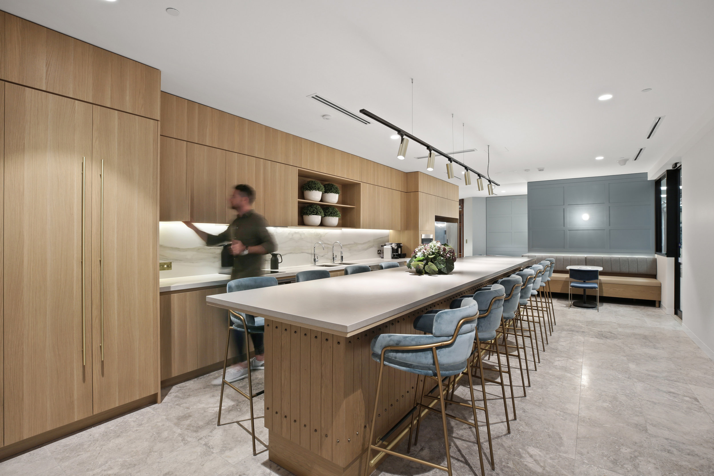 Valmont_KKR_1_Macquarie_Square_High_Kitchen_2.jpg