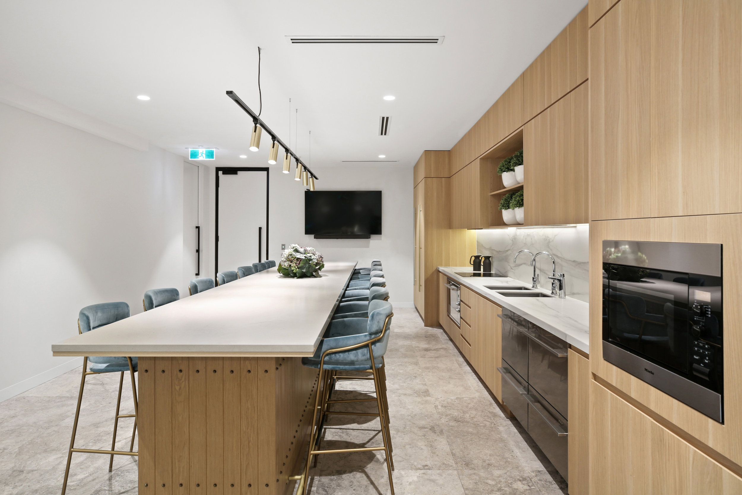 Valmont_KKR_1_Macquarie_Square_High_Kitchen_3.jpg