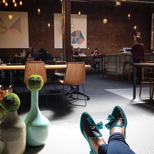 "Sit back, relax and enjoy an awesome day at work! #CoworkingAtCovo 📸 :: @jeanette_kc ""Loving the late afternoon light in our beautiful co-working space in SoMa, SF. It's basically my second home every time I come out here."" - Jeanette Cheah. #CovoDays"