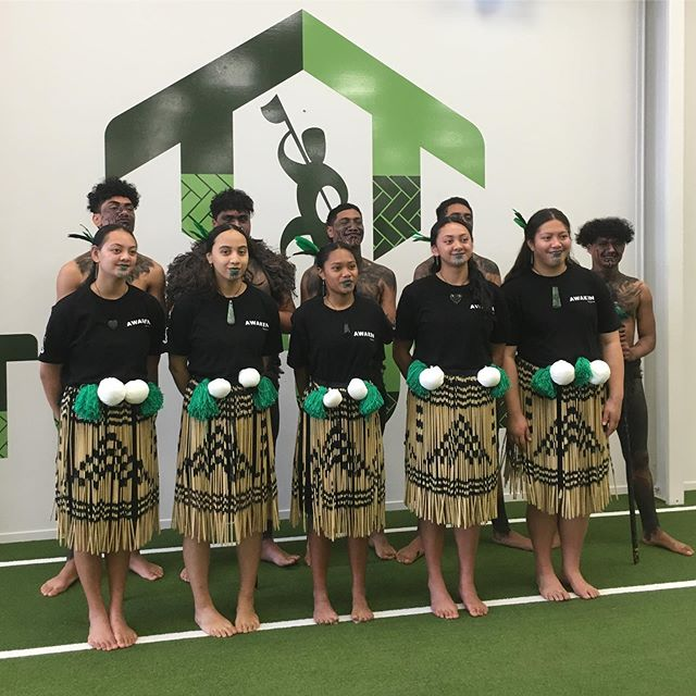 Over the weekend some of our rangatahi stood in the @tu.tonu kapa haka 10's competition, in celebration of Te Wiki o Te Reo Māori.  These guys put in some hard mahi and represented so beautifully. E poho kererū ana!  Big mihi must also go to @whetuwalker @alroy.walker and @larnz.1 for their mahi and hours invested into leading this space for our rangatahi. E mihi ana ki a koutou ❤️