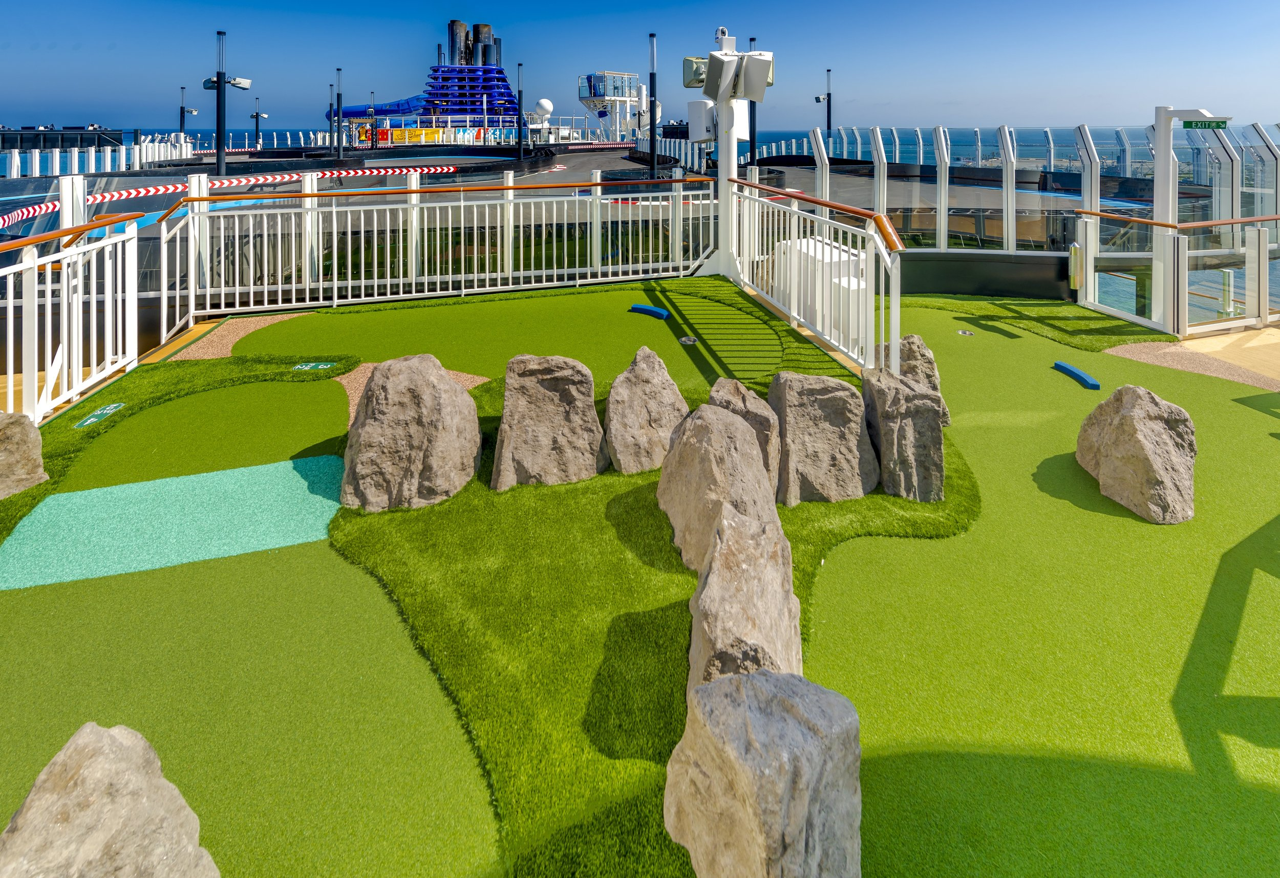 ncl_Bliss_Mini_Golf_1.jpeg