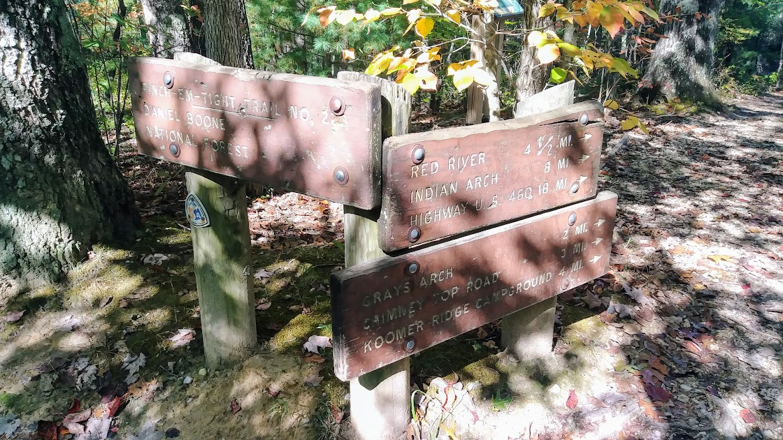 Signs at the Pinch 'em Tight Trailhead off of Tunnel Ridge Road.