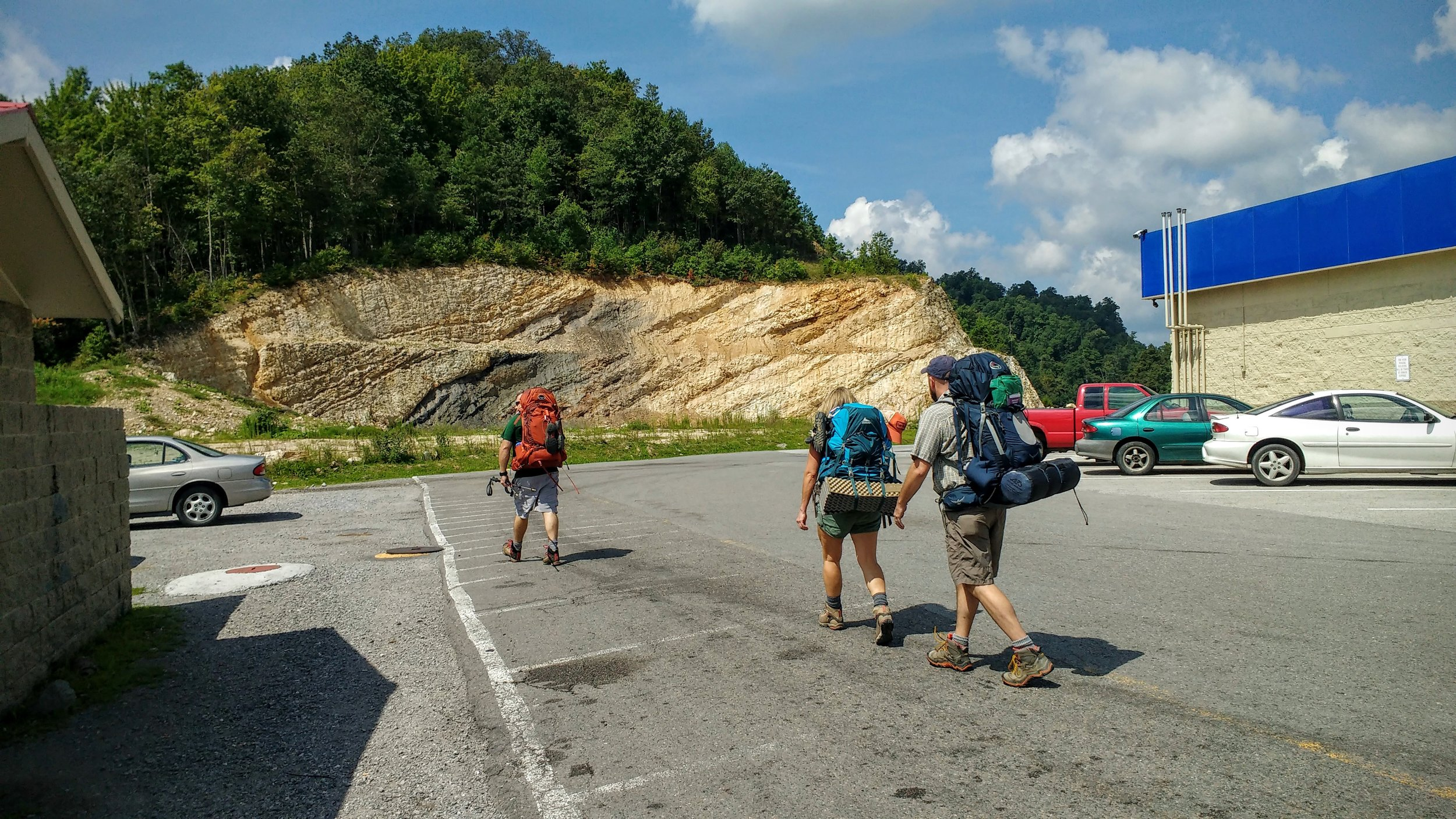 Heading out to Pine Mountain Trail from the Marathon gas station at Pound Gap