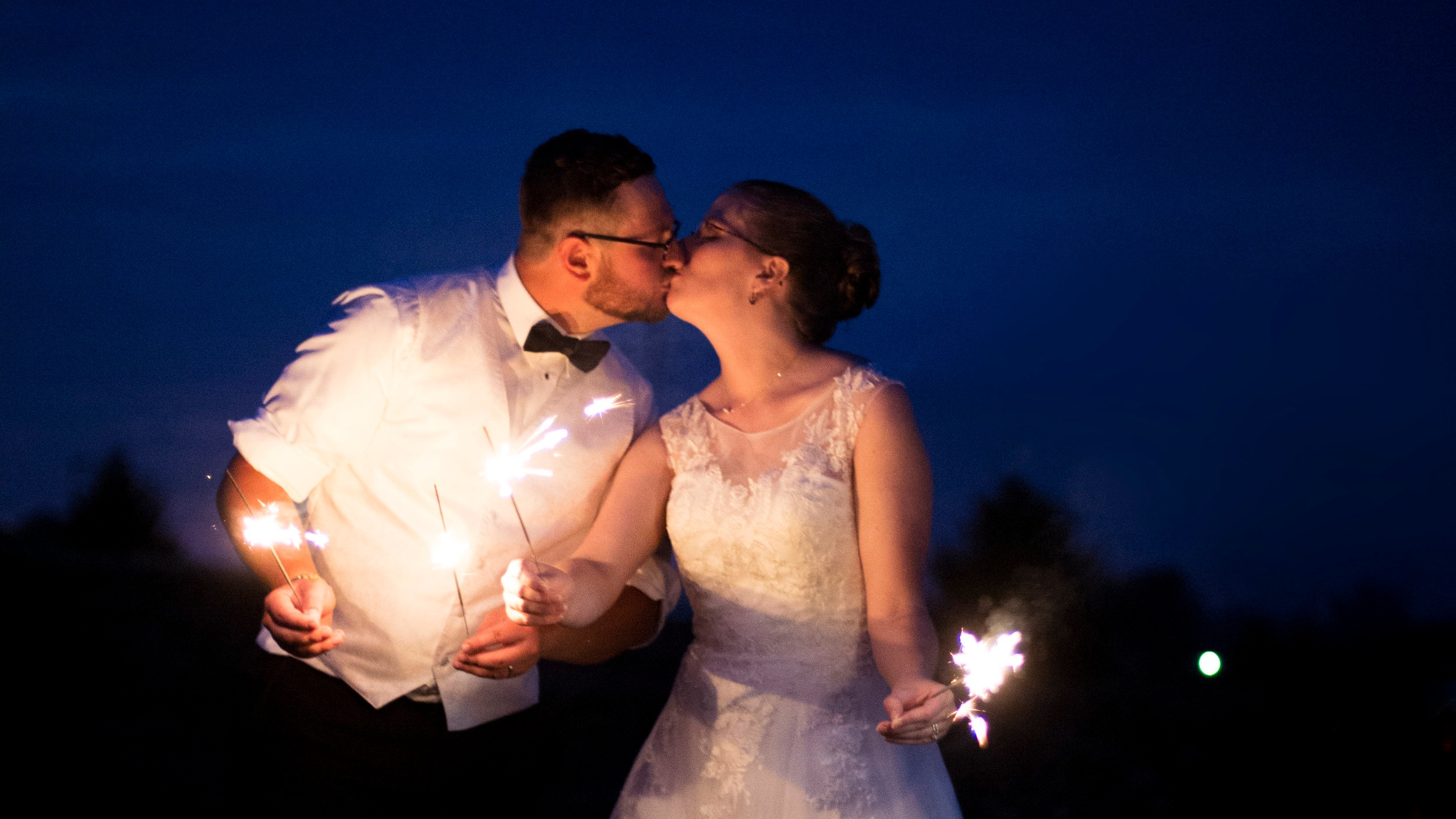 Akron, OH • (330)-203-1193   Personalized Photography for Creative Dreamers     Get a Free Consultation       View Wedding Packages
