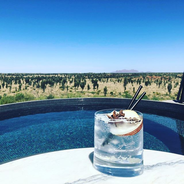 Gin on the Dune Top. Views to Kata Tjuta. Dunk in the pool! With @thereal_samanthajones @bellemagazineau @countrystylemag @cathywagstaff_signatureluxury Cheers!