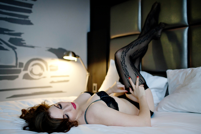 See yourself in a new light… - the boudoir Experience