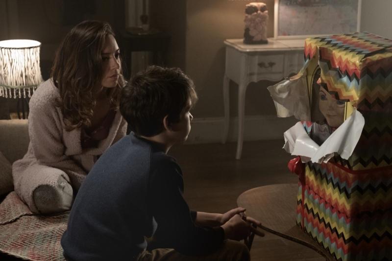 Aubrey Plaza and Gabriel Bateman star in CHILDS PLAY_proxy_md.jpg