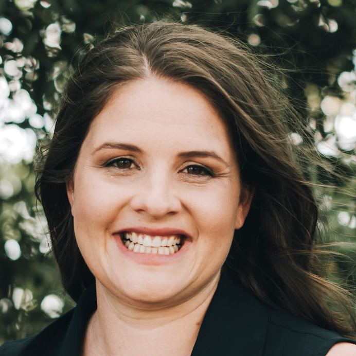 GABRIELLE MAJOR   WRITER, CONTENT MAKER, ARTS & CULTURAL ADMINISTRATOR  I grew up on a farm in Kellerberrin and studied a degree that spanned PR, Events and Journalism. I currently live in Ravensthorpe where I raise my family and manage the local Community Resource Centre.   Instagram