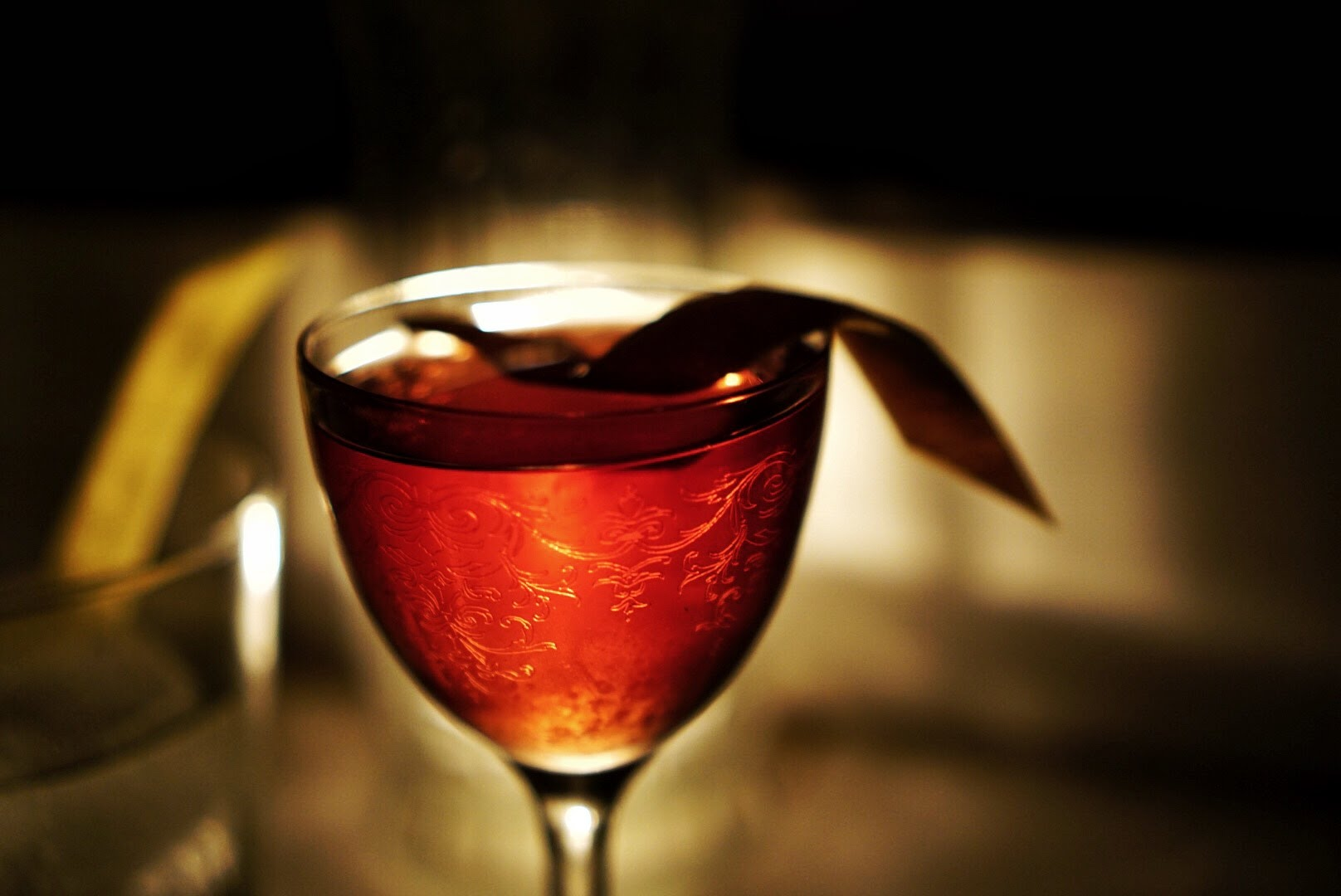 optional level-up: - Vintage 1920s cocktails to match the era of the heritage carriages $