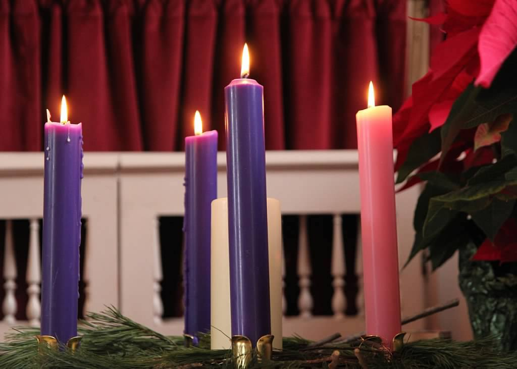 advent_candle_christmas_service.jpg