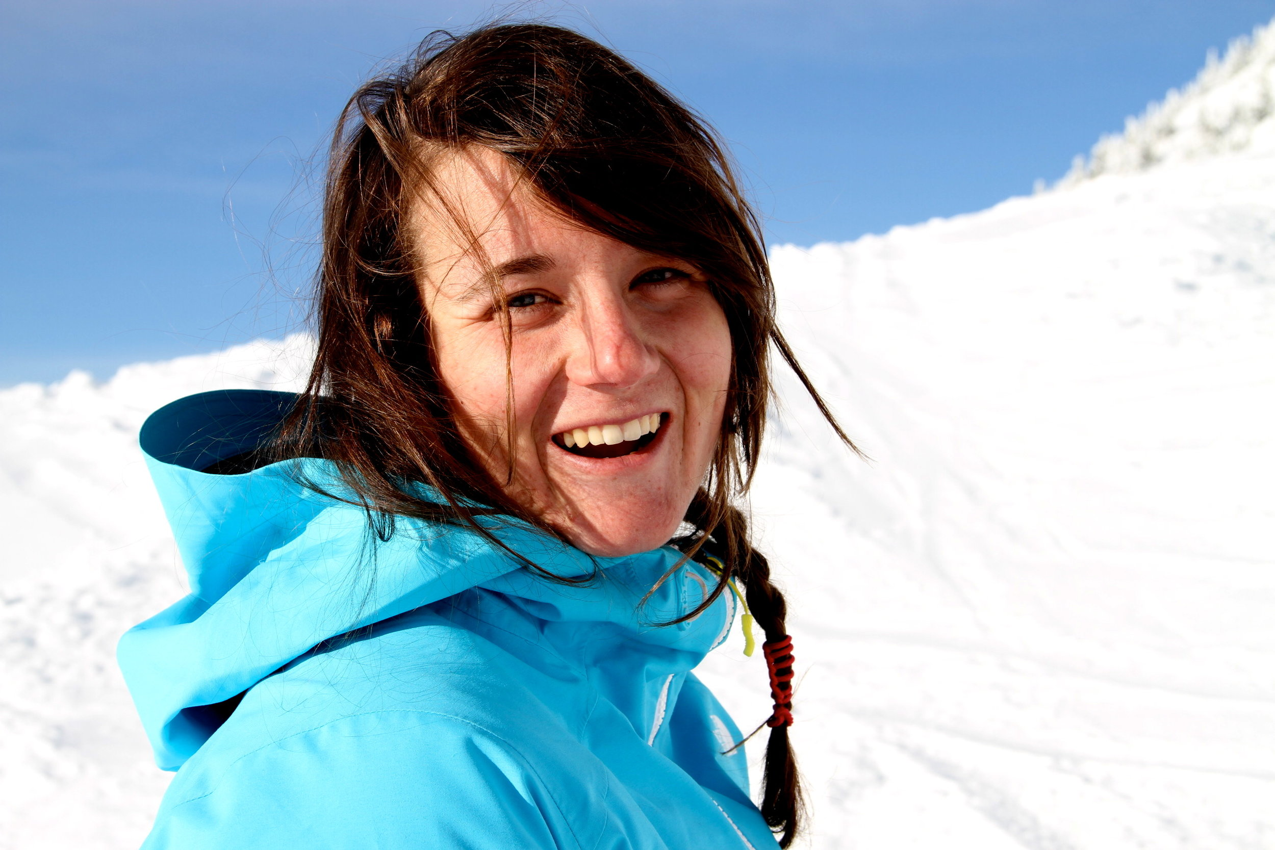 Leah Evans   Leah is the founder of Girls Do Ski. As a passionate and professional skier herself, her dream was to get more female skiers on the slopes and connect those already out there. Leah continuously strives to get out into the mountains and help others do the same.