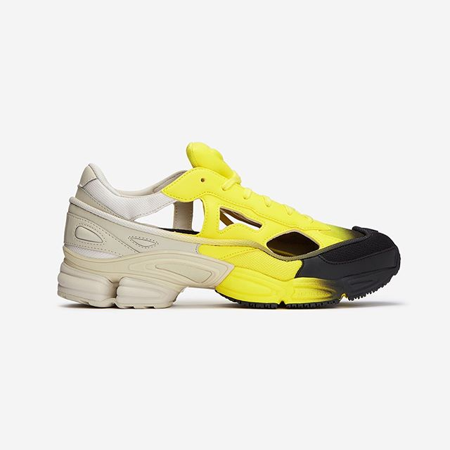 R A F  S I M O N S ✖️ A D I D A S⠀ @adidas by @rafsimons RS Replicant Ozweego In #Beige/#Yellow/#Black⠀ .⠀⠀ Client:⠀⠀ @okiniofficial⠀ .⠀⠀ .⠀⠀ .⠀⠀ #rafsimons #beyondecomm #london #trendy #fashion #style #streetwear #instafashion #musthave #streetstyle #ootd #photography #brands #londonphotographers #trend #trainers #shoes #design #adidas #sneakerhead #shoesaddict #colour #designer #okini #uk #littledetailsmatter #hackneystudios