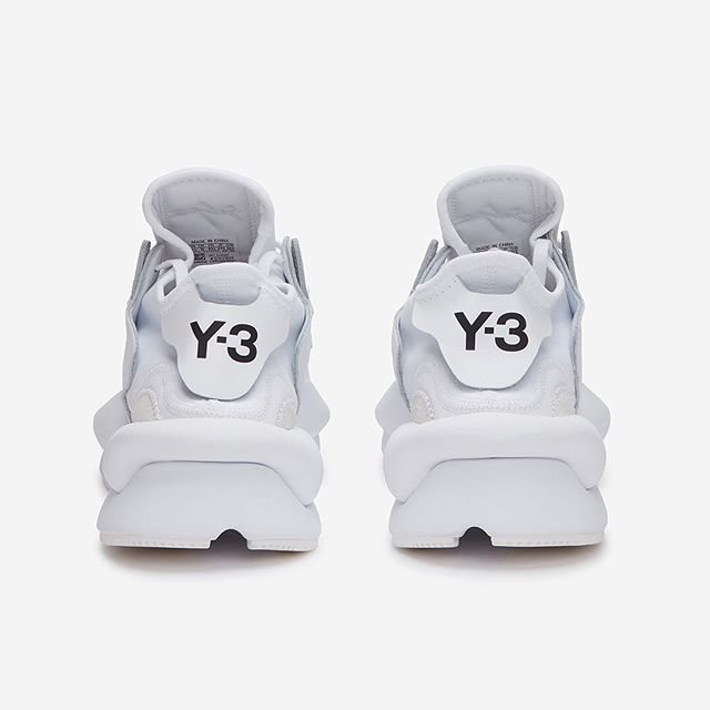 Y O H J I  Y A M A M O T O |||⠀ @adidasy3 Kaiwa Sneaker In #White⠀ .⠀ Photography for:⠀ ⁣@okiniofficial⠀ .⠀ #y3 #YohjiYamamoto #minimalist #beyondecomm #london #fashion #style #streetwear #instafashion #streetstyle #brands #trend #designer #sneakerhead #shoesaddict #black #sneaker #details #adidas #kicks #mensfashion #lookbook #okini #concept #ss19 #design #minimalism #abstract #weekend⠀
