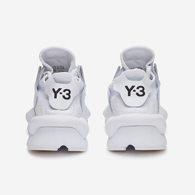 Y O H J I  Y A M A M O T O |||⠀ @adidasy3 Kaiwa Sneaker In #White⠀ .⠀ Photography for:⠀ @okiniofficial⠀ .⠀ #y3 #YohjiYamamoto #minimalist #beyondecomm #london #fashion #style #streetwear #instafashion #streetstyle #brands #trend #designer #sneakerhead #shoesaddict #branding #sneaker #details #adidas #kicks #mensfashion #studio #okini #concept #ss19 #design #minimalism #abstract #hackney