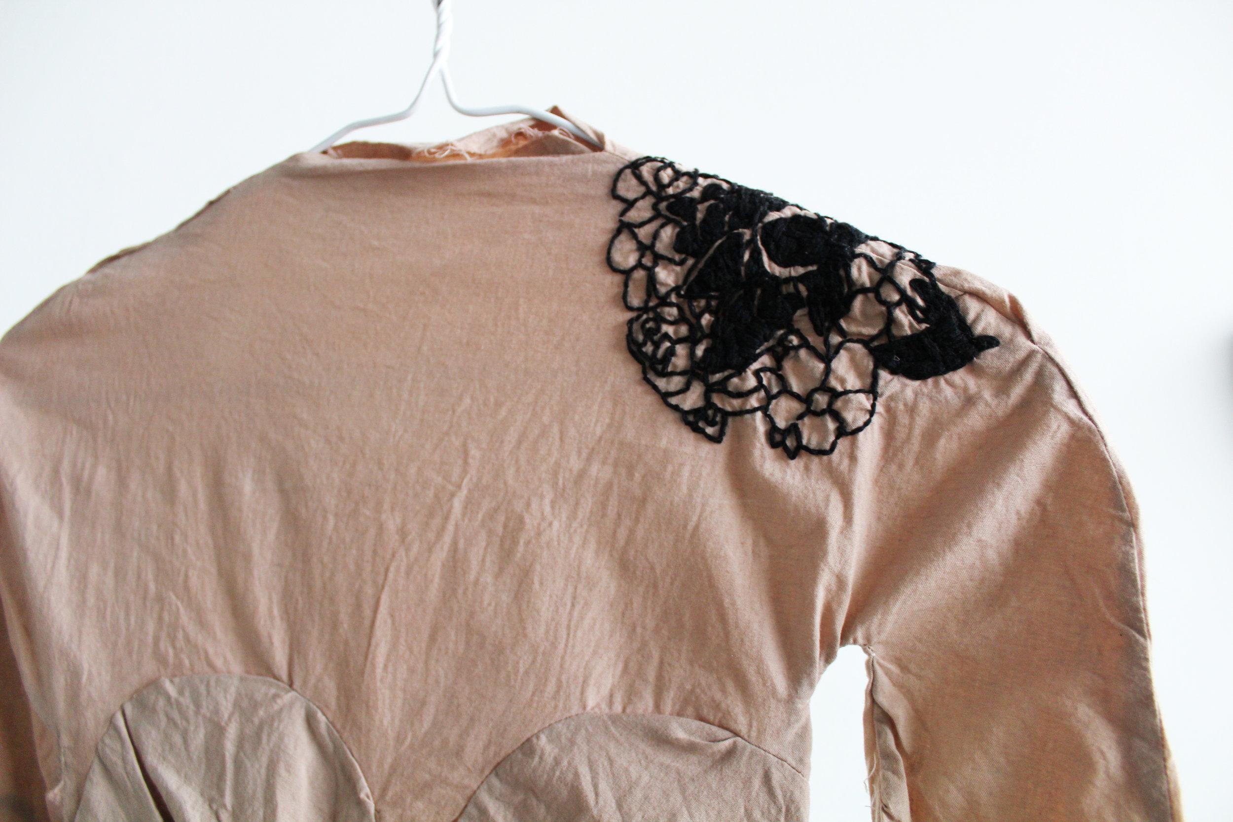 shoulderdetail.jpg