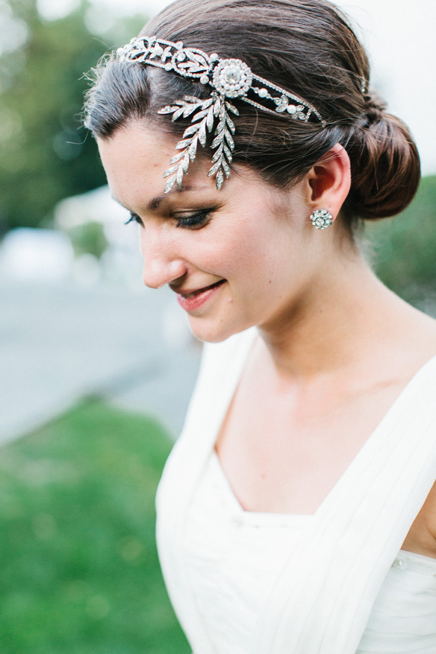 Kerrin swapped her veil for the extra foliage on her headband post-ceremony, giving her a new reception vibe.