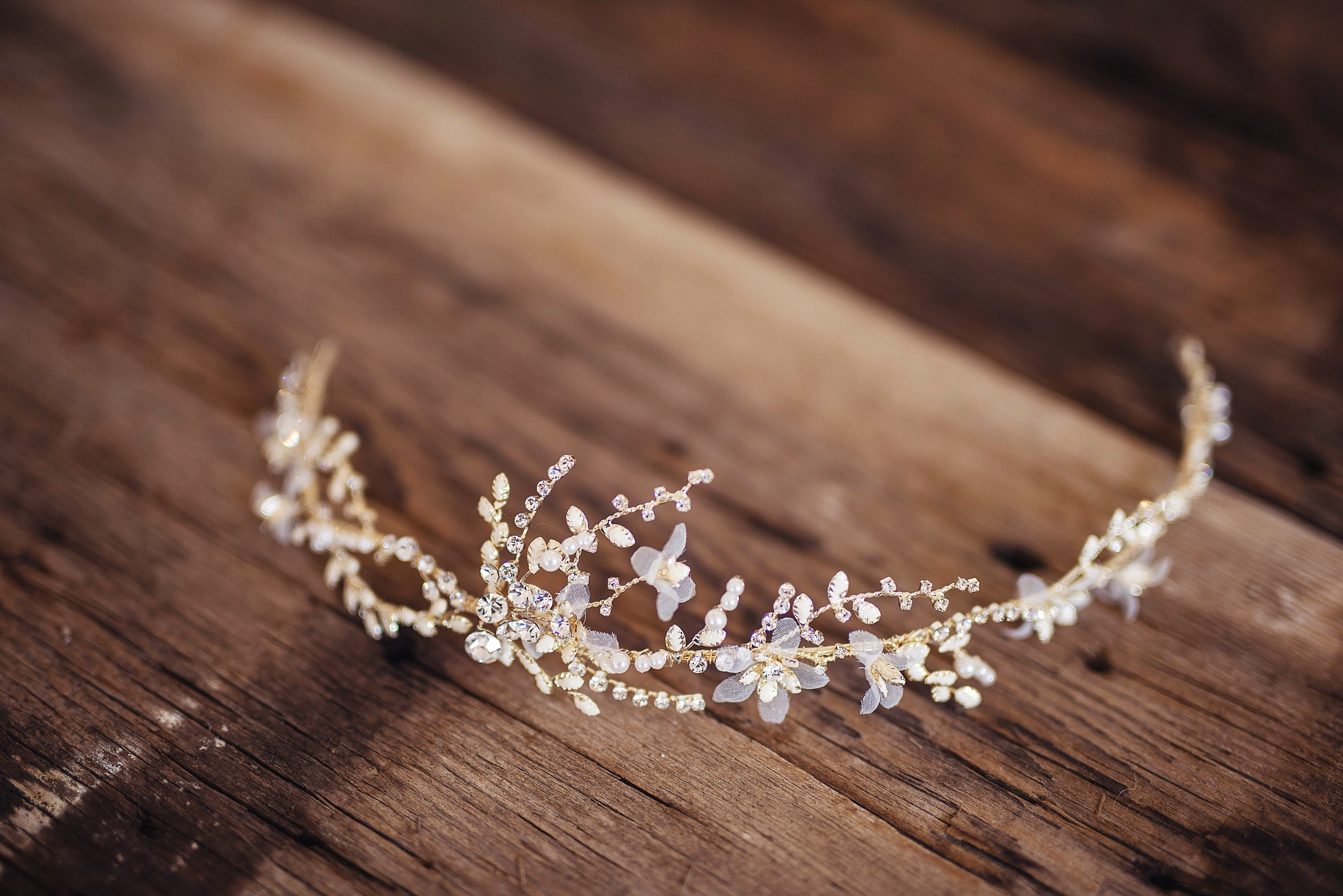 Delicate gold hairpiece 2.jpg
