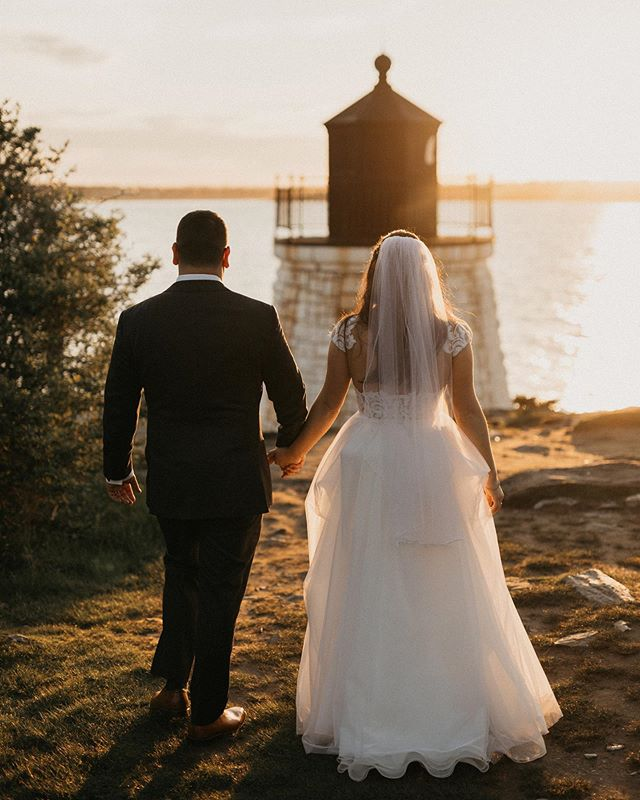 Look towards the sun and the shadows will fall behind you 🌗 Photography: @frameandanchor  Beauty: @ali_lomazzo_beauty  Decor: @eedecor  Venue: @castlehillinn  Bride: @otaurel Planner: @brandi_lacoste  Steaming/Garment Prep: @bridalfinery