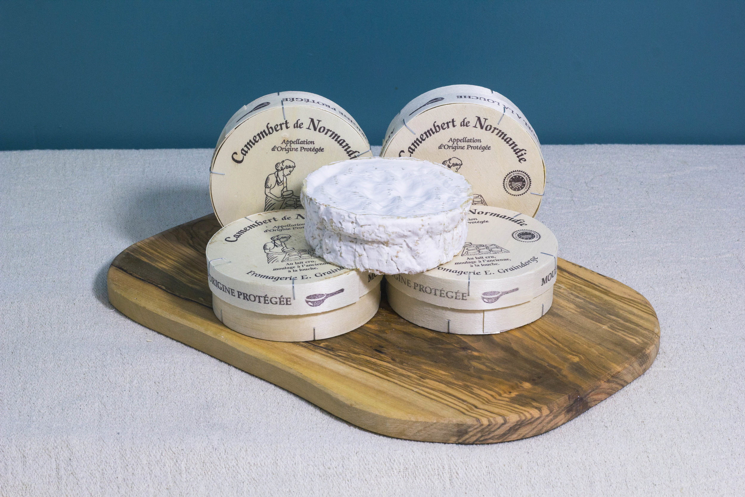 Camembert De Normandie bright.jpg
