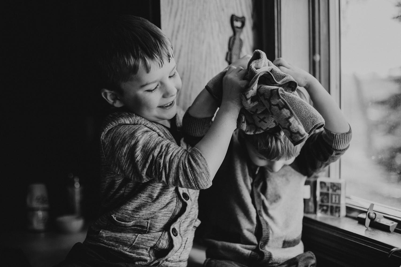 Bryden Giving Photographer-Wedding Photographer-Minneapolis-Minnesota-Saint Paul-Lifestyle-Twin Cities-Family Session-Destination Wedding Photographer-Home