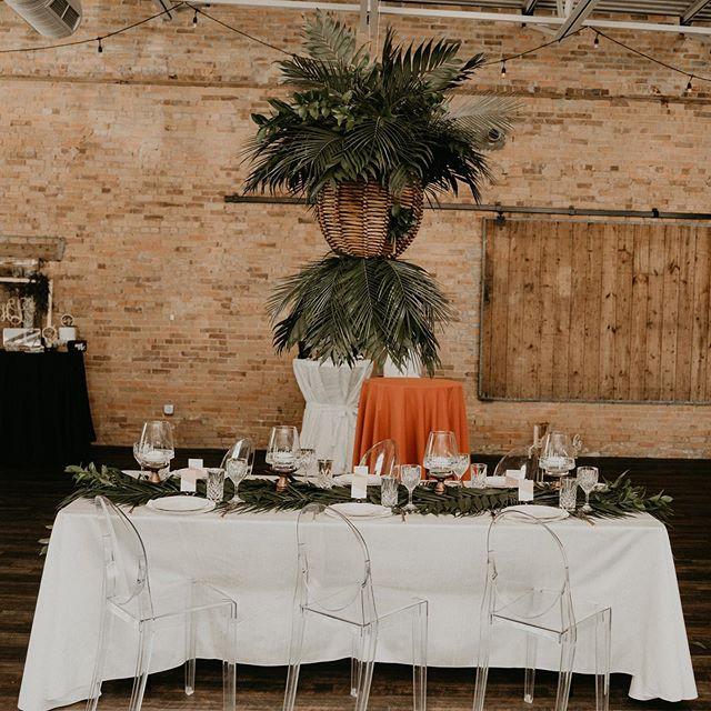 My second design for @thebigfakewedding 🦄 • • • • 📸 @surveyorcreative  #junebugweddings #loveauthentic #realwedding #justmarried #loveintentionally #weddinginspiration #weddingphotography #huffpostweddings #ido #loveandwildhearts #belovedstories #dirtybootsandmessyhair #photobugcommunity #dallaswedding #bohowedding #eventplanner #weddingplanner #dallasevents #dallaseventplanner #thebigfakewedding #havanaheights #floralinstallation #weddingflowers #weddingflowersinspiration #alexandratrevinoevents #tablescapes