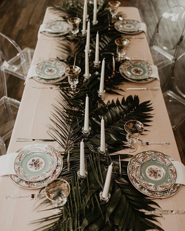I love tablescape pictures so much! • • • • • • 📸 @surveyorcreative  #junebugweddings #loveauthentic #realwedding #justmarried #loveintentionally #weddinginspiration #weddingphotography #huffpostweddings #ido #loveandwildhearts #belovedstories #dirtybootsandmessyhair #photobugcommunity #dallaswedding #bohowedding #eventplanner #weddingplanner #dallasevents #dallaseventplanner #thebigfakewedding #havanaheights #floralinstallation #weddingflowers #weddingflowersinspiration #alexandratrevinoevents #tablescapes