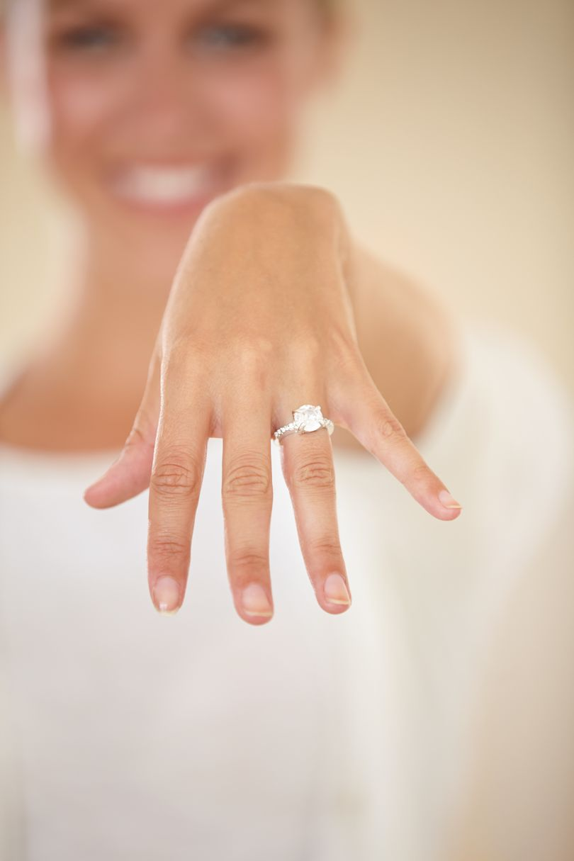 What is it about engagement rings that sends everyone batshit? - GLAMOUR