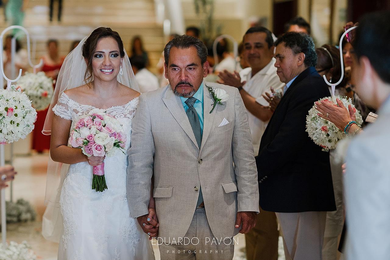 wedding-andrea-christian-fiesta-americana-veracruz-11.jpg