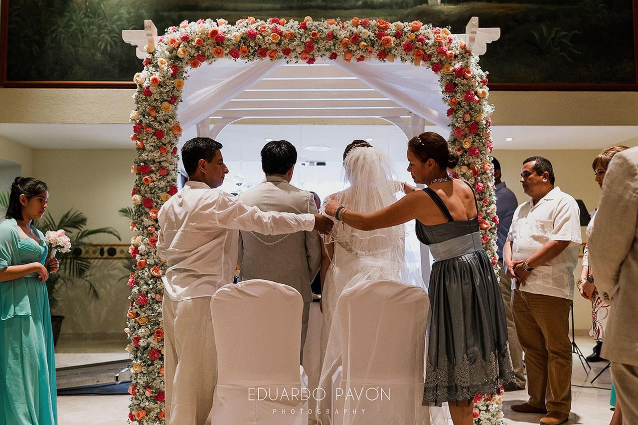 wedding-andrea-christian-fiesta-americana-veracruz-15.jpg