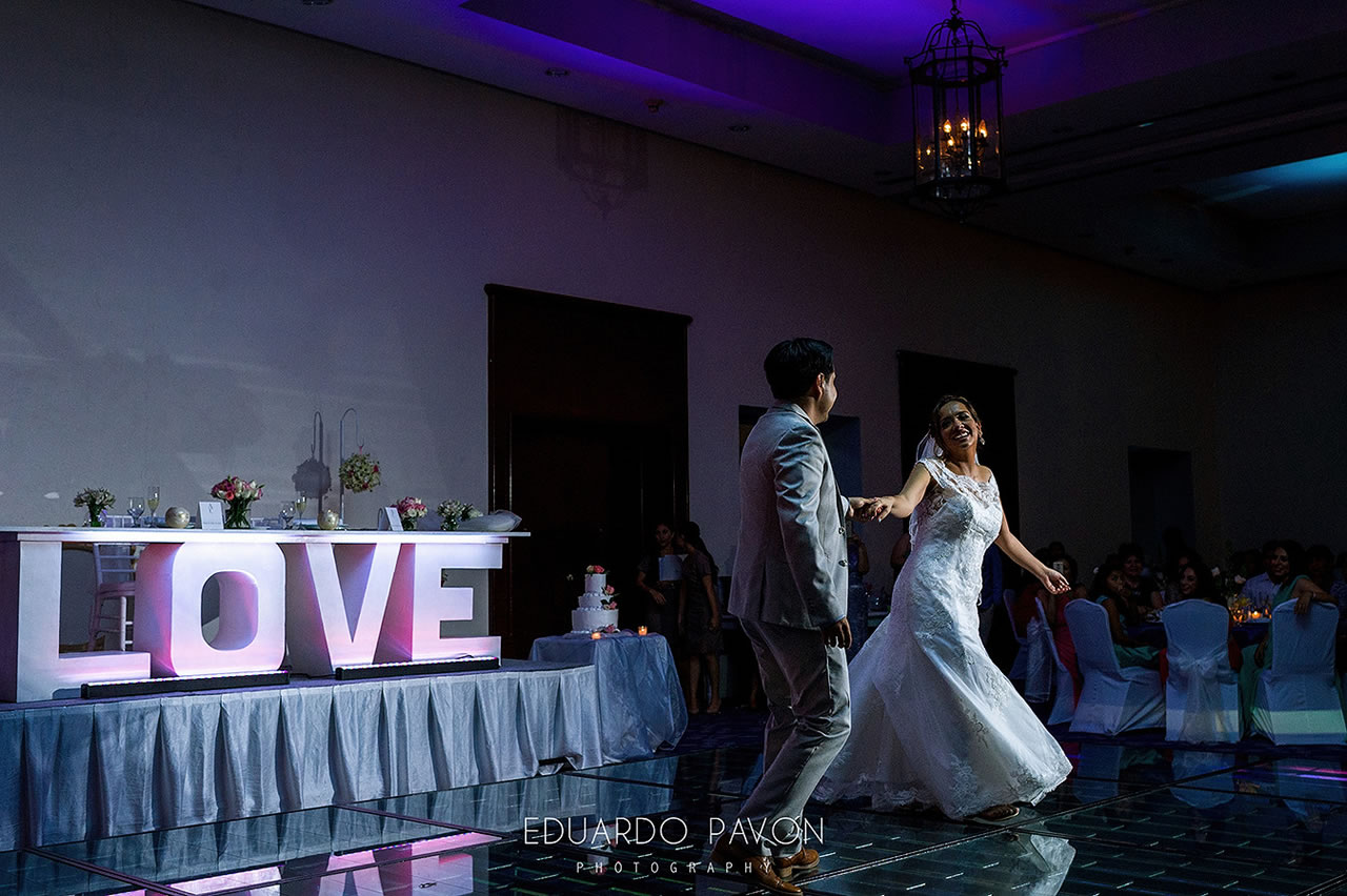 wedding-andrea-christian-fiesta-americana-veracruz-19.jpg