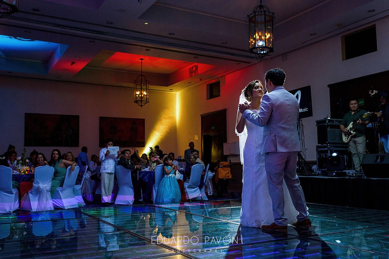 wedding-andrea-christian-fiesta-americana-veracruz-20.jpg